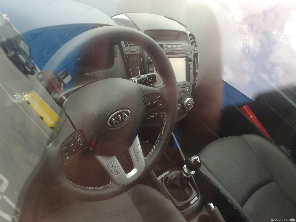 More interior spy shots of the Kia cee\'d facelift | Kia News Blog