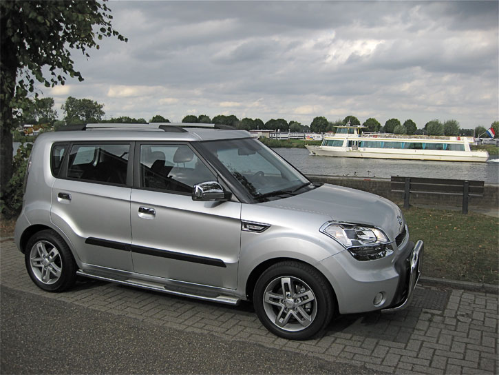 kia soul equipped with pushbars  sidebars and numerous