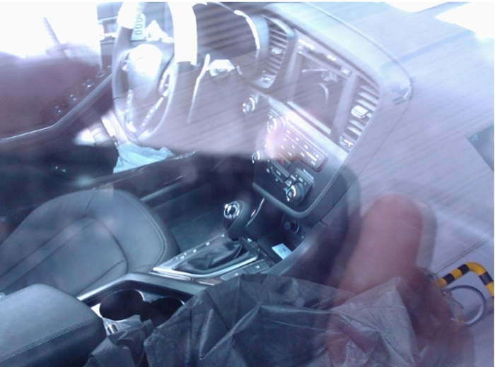 First interior images of 2011 Kia Optima sedan