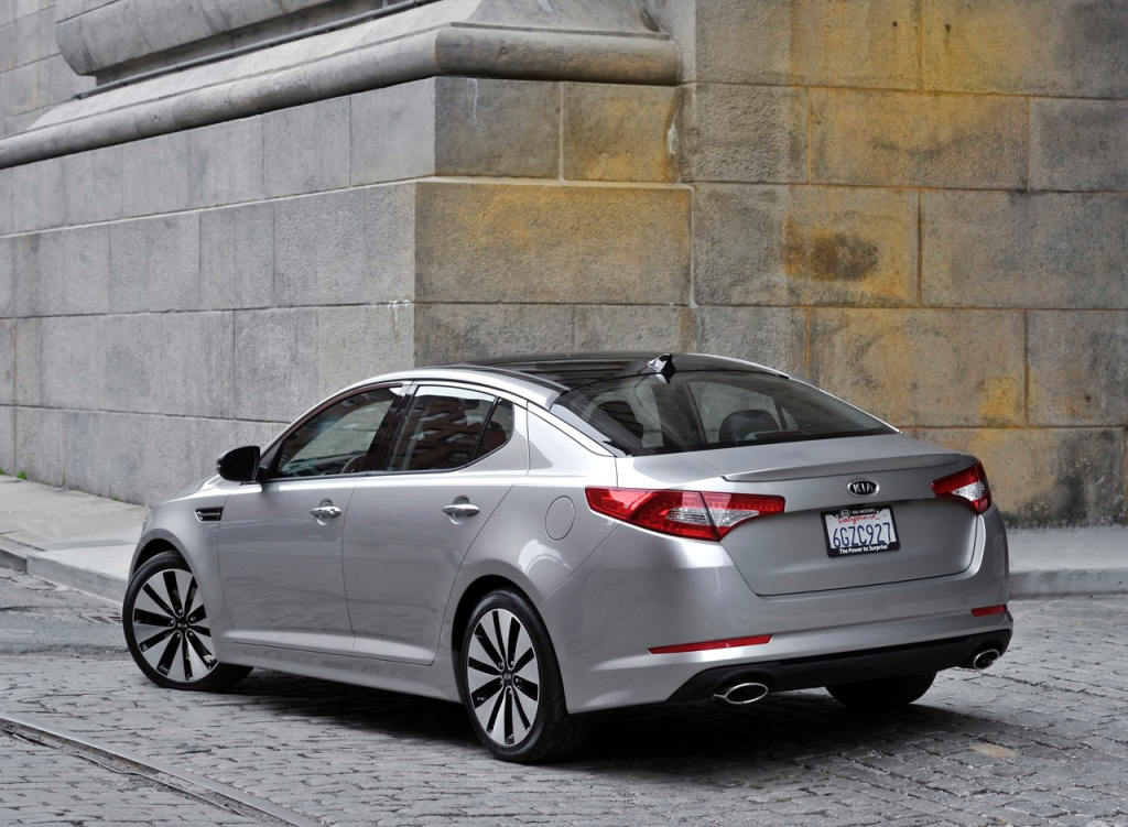 kia optima 2011 black. 2011 Kia Optima image gallery: