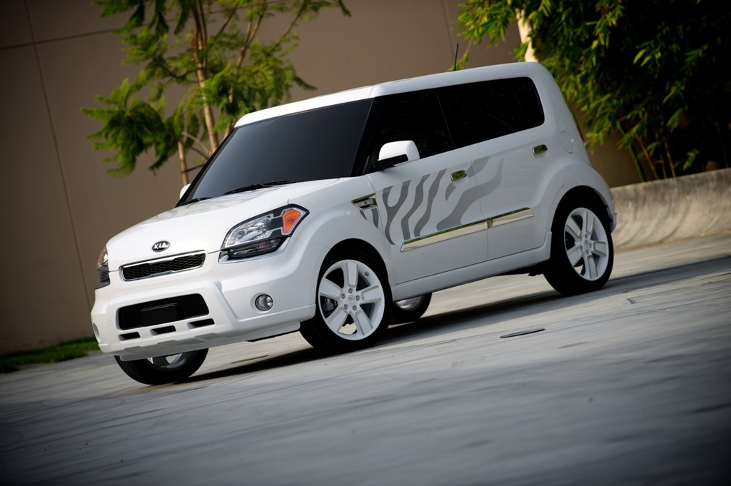 2011 Kia Soul White Tiger Special Edition; specs, tires ...