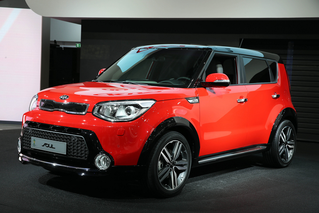 Pictures Of A Red Black Kia Soul With Suv Accessory Kit Kia News