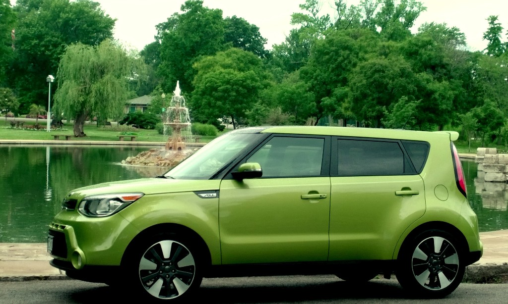 Green Kia Soul >> Cool Photos Of Marvin The Green Painted Alien Ii Soul Kia News