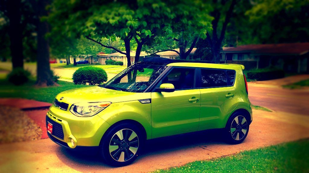White Kia Soul >> Cool Photos Of Marvin, The Green-Painted Alien II Soul ...