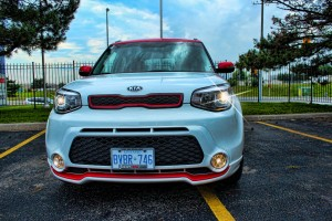 White-Red Kia Soul SE