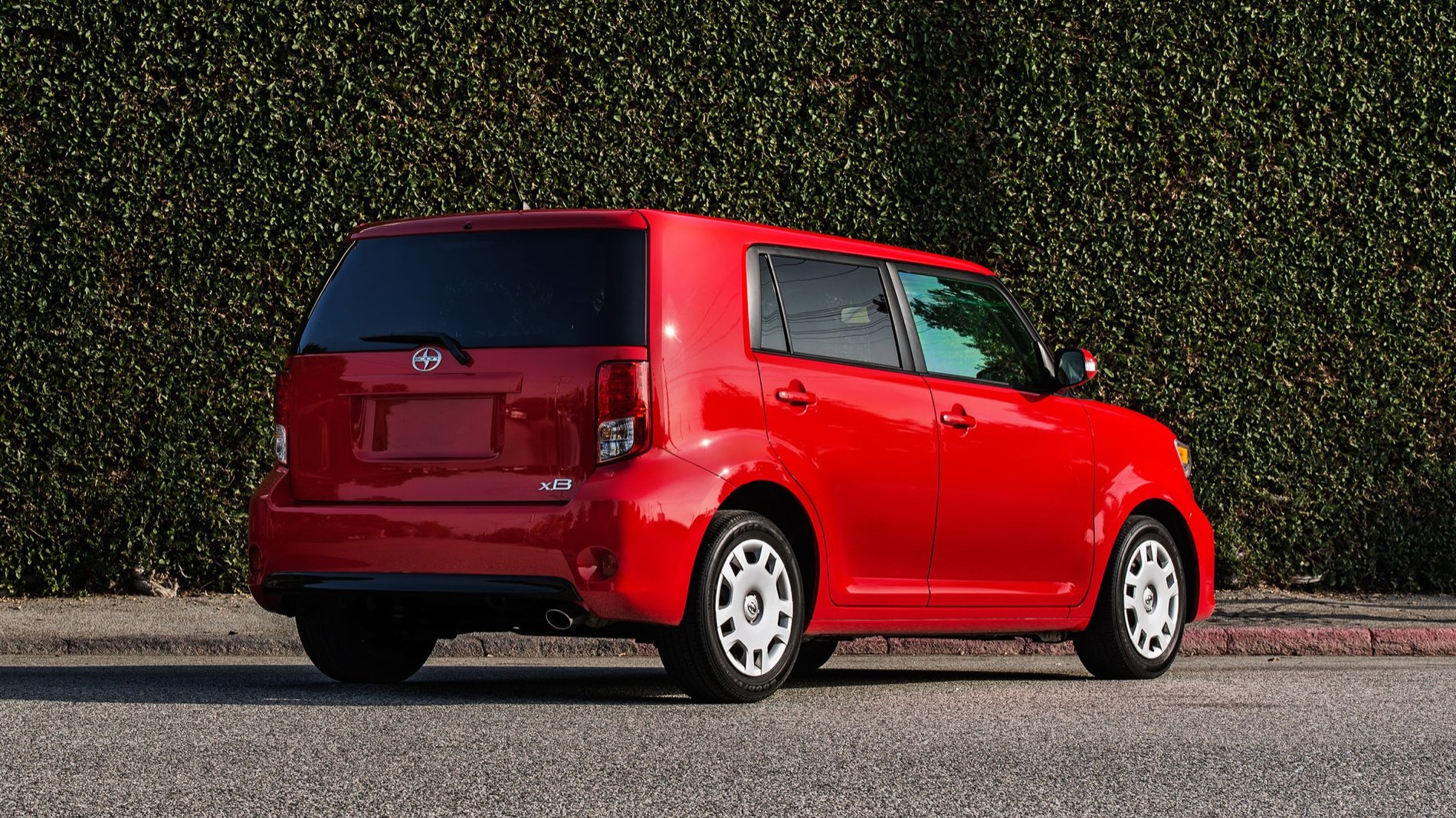 scion xb vs kia soul photo comparison pricing specs kia news blog. Black Bedroom Furniture Sets. Home Design Ideas