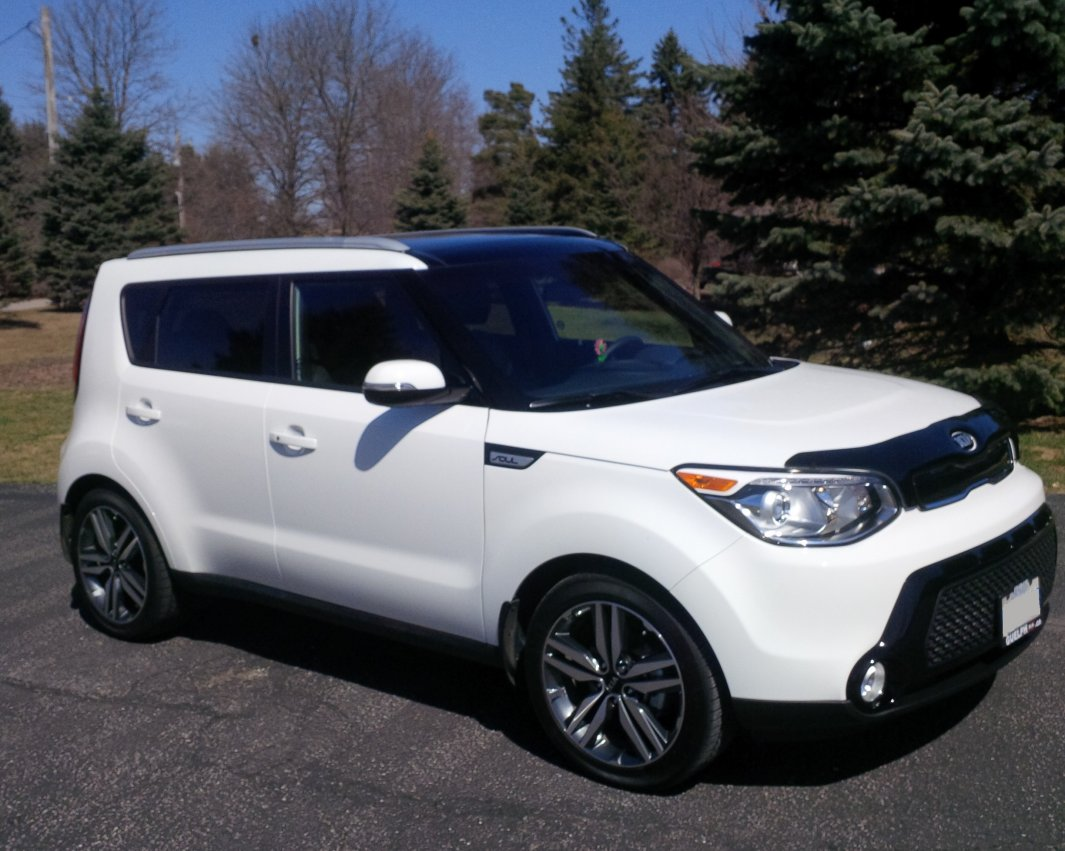 you can spot this kia soul polar white in ontario canada kia news blog. Black Bedroom Furniture Sets. Home Design Ideas
