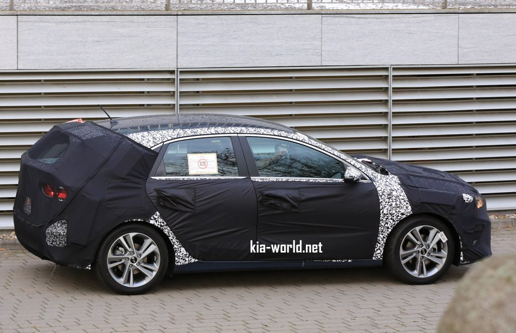 2018 kia cee 39 d spy shots release date news kia news blog. Black Bedroom Furniture Sets. Home Design Ideas