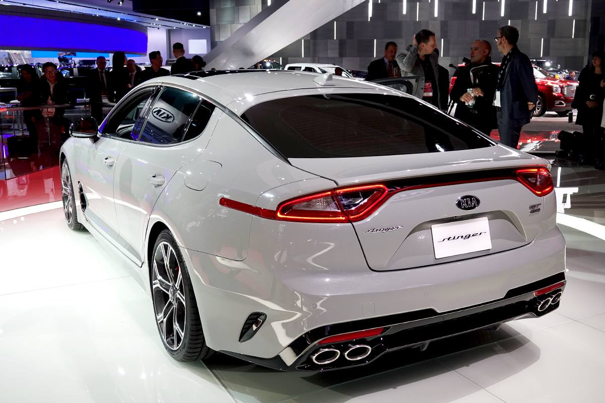 2018 kia stinger gt awd release date specs tire size. Black Bedroom Furniture Sets. Home Design Ideas