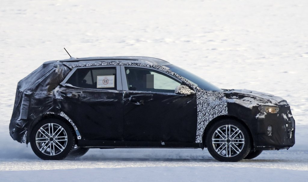 2017 kia stonic spied winter testing news rumors kia news blog. Black Bedroom Furniture Sets. Home Design Ideas